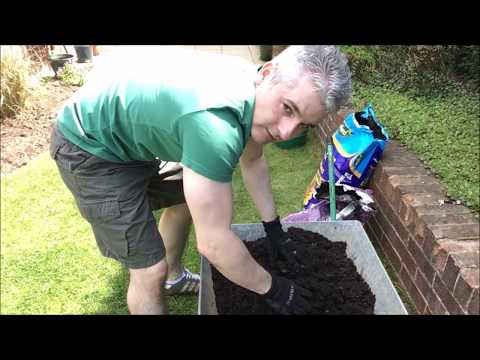Spare time Gardening with Simon - A Magic Compost Mix & Planting Tomatoes - May 18 S3 E18