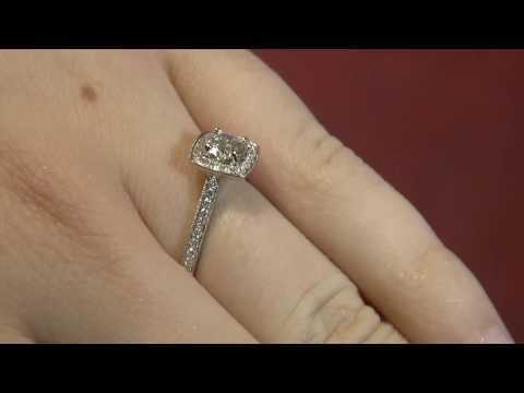 VR1034 Vintage Halo Ring, Dublin.