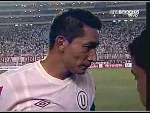 Piero Alva y Carlos Galvan U (2) - Lanus (0) Copa Libertadores 2010 (17-02-2010)