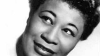 Watch Ella Fitzgerald Russian Lullaby video