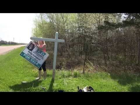 Real Estate Sign Installation! How to put up a real estate sign! PEI Real Estate