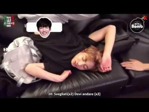 [SUB ITA] 150902 BANGTAN BOMB - It's The Pose When BTS Sleep Normally
