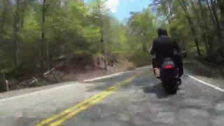 US129 Suzuki bking following a Yamaha RS Warrior and a BMW K1200r