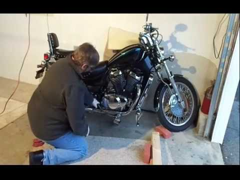 Suzuki VS 800 S50 Boulevard Clutch Change - YouTube