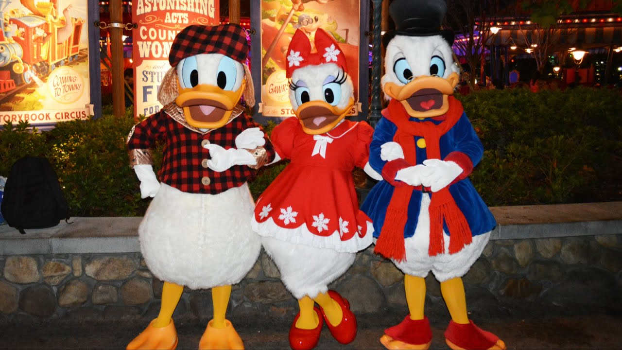 scrooge mcduck donald and daisy meet at mickeys very merry christmas party magic kingdom youtube - Mickeys Christmas Party Disneyland