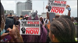 #ENDSARS MASQUERADE JOINS THE PROTEST AT LEKKI LAGOS, OUR VOICES MUST BE HEARD