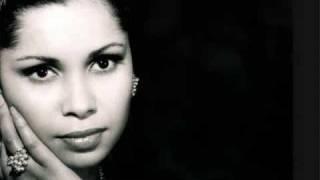 La chanteuse Algérienne Noura ( Farradj Ya Rabbi Ala Men Dhakat Bih) 4
