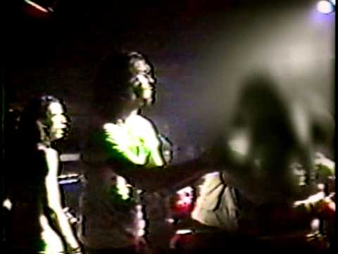 kurt-cobain-attacked,-punched-and-kicked-by-security-guard