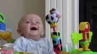 有趣的宝宝视频2016年 滑稽的婴儿是最难尽量不笑的挑战, 超级搞笑宝宝编译