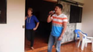 Mi niña traviesa / Karaoke en Familia