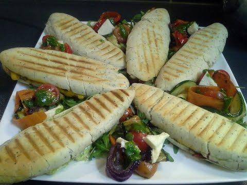 recettes-de-pains-panini/-tomate-et-mozzarella,-légumes-et-viande-hachée