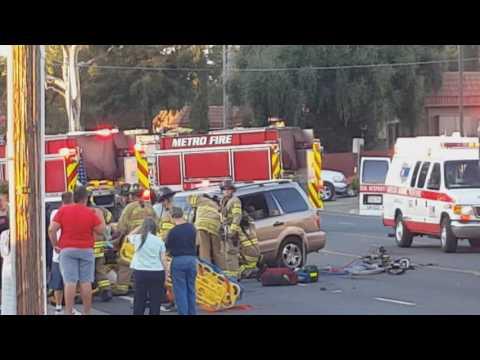 Manzanita Ave 09/10/2016 Carmichael CA Car Crash