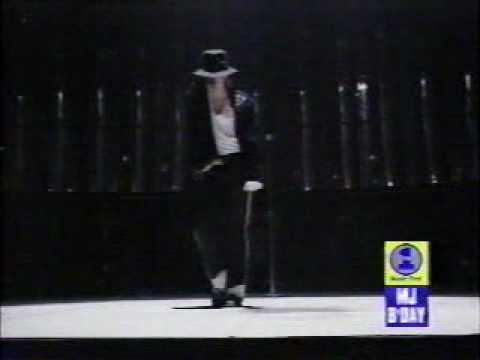 Michael jackson-moonwalk - YouTube