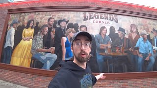 """Exploring Music City, USA - Broadway Street and """"Honky Tonk Row"""" in Nashville, Tennessee"""