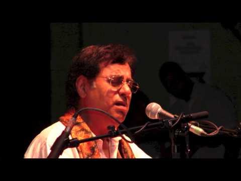 Jagjit Singh Live - Mujhko Yaqin Hai Sach Kahti Jo Bhi Ammi kahti Thi