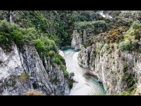 Part 2 - New TranzAlpine 2014 – Now the Scenery gets really interesting  - Waimakariri Gorge
