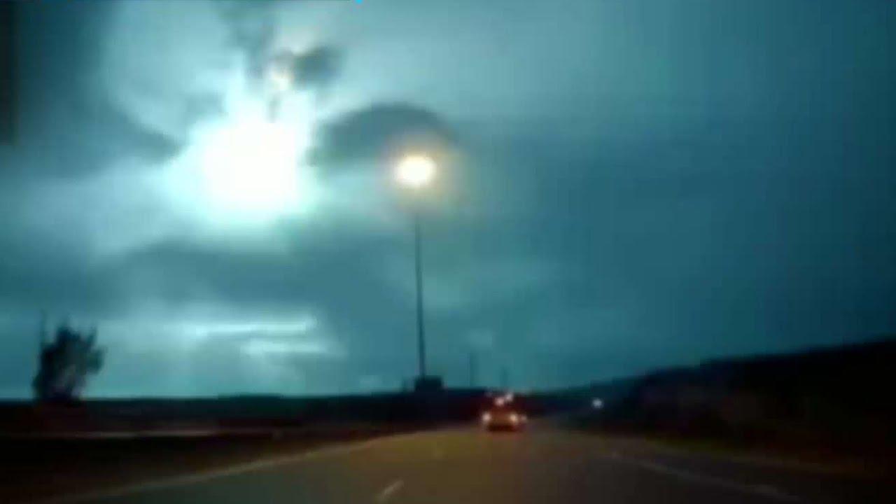 """""""כדור אש נופל מהשמיים"""": תיעוד המטאור מעל כביש 6"""