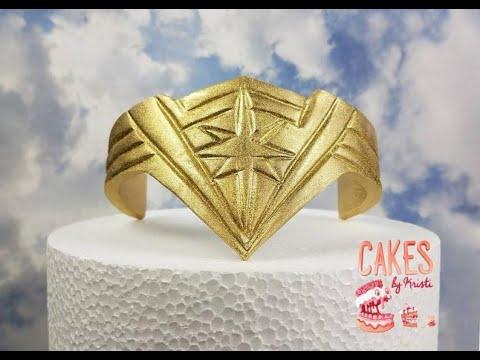 Wonder Woman Tiara Cake Topper Tutorial Time Lape