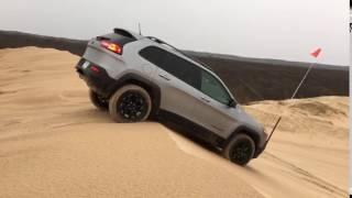 Jeep Cherokee Trailhawk Test Hill Climb