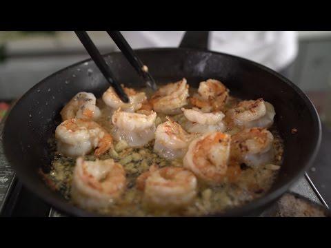 Паста с креветками и сливочно-сырным соусом