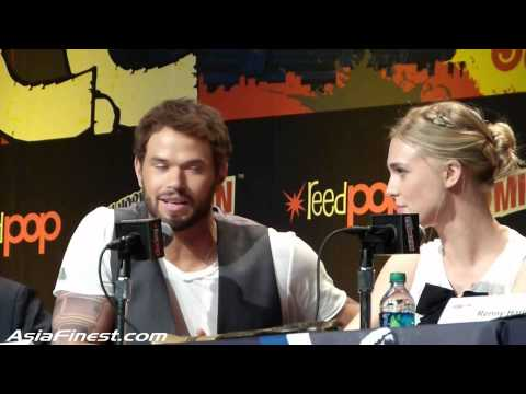 Liam McIntyre talks about Skirts & Gaia Weiss talks Sex s at NYCC 2013