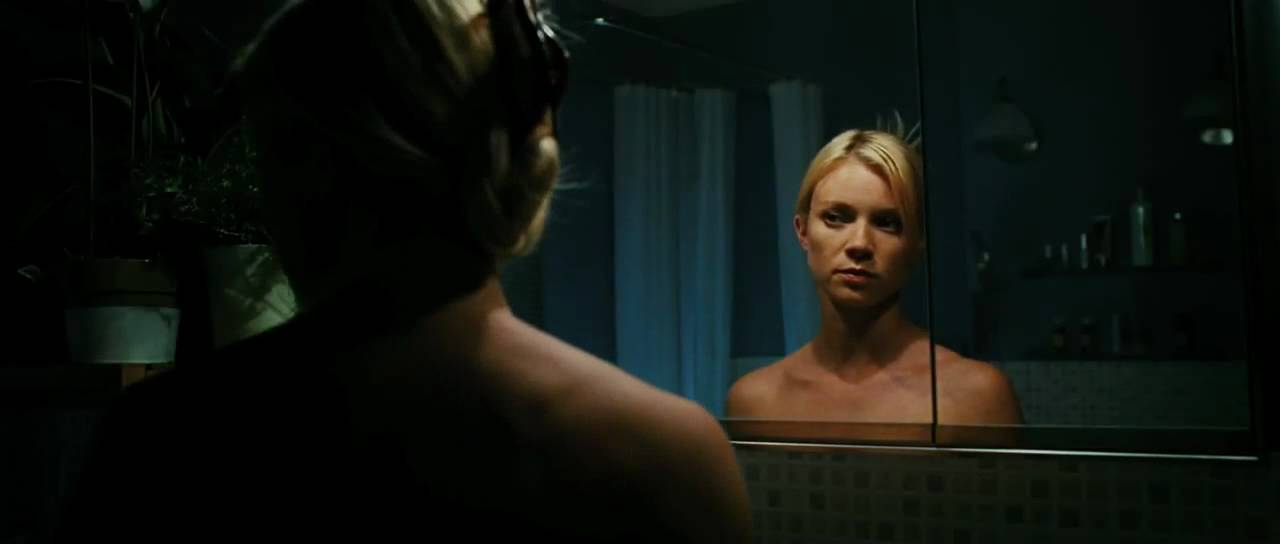 Mirrors trailer the evil lurks behind every reflection for Mirror horror movie
