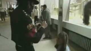 ☺♥Michael Jackson Personal Unseen Video Michael Comforts a Fan ♥☺