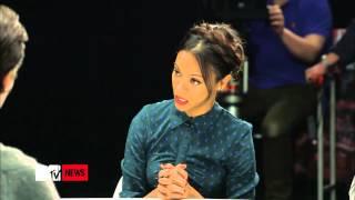 Chris Pine Shows Off Impersonations, Zoe Saldana Speaks On Klingon #7 HD