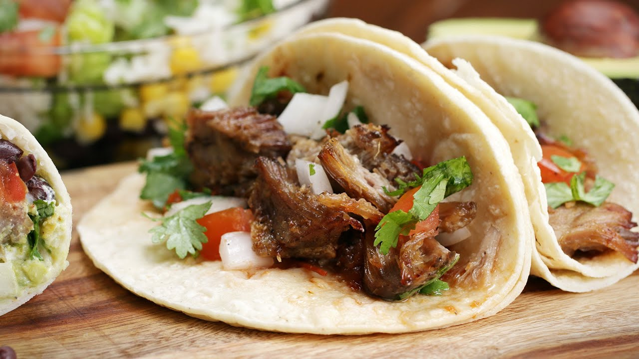 Slow Cooker Carnitas For Tacos And Burritos - YouTube
