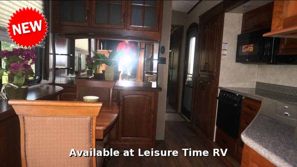 travel trailers front room livings bighorn image of living home used ideas wheel wheels decorations