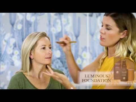 Contouring and Highlights using organic makeup from World Organics