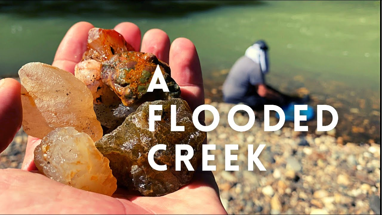 Hunting Aussie Agates, Opal & Chalcedony in Flooded Creeks