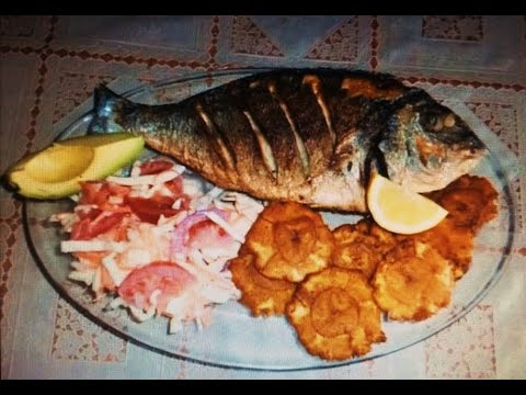 Pescado Frito con Tostones Venezolano por Hugo Chávez ...