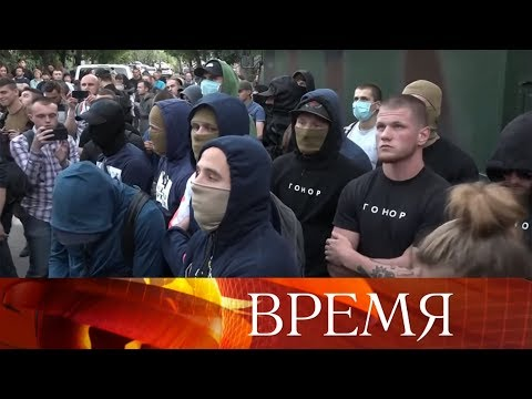 Чем ближе к выборам в Верховную раду Украины, тем сильнее накаляются политические страсти.
