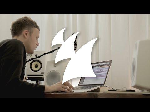 Jan Blomqvist explains album 'Remote Control' in the studio
