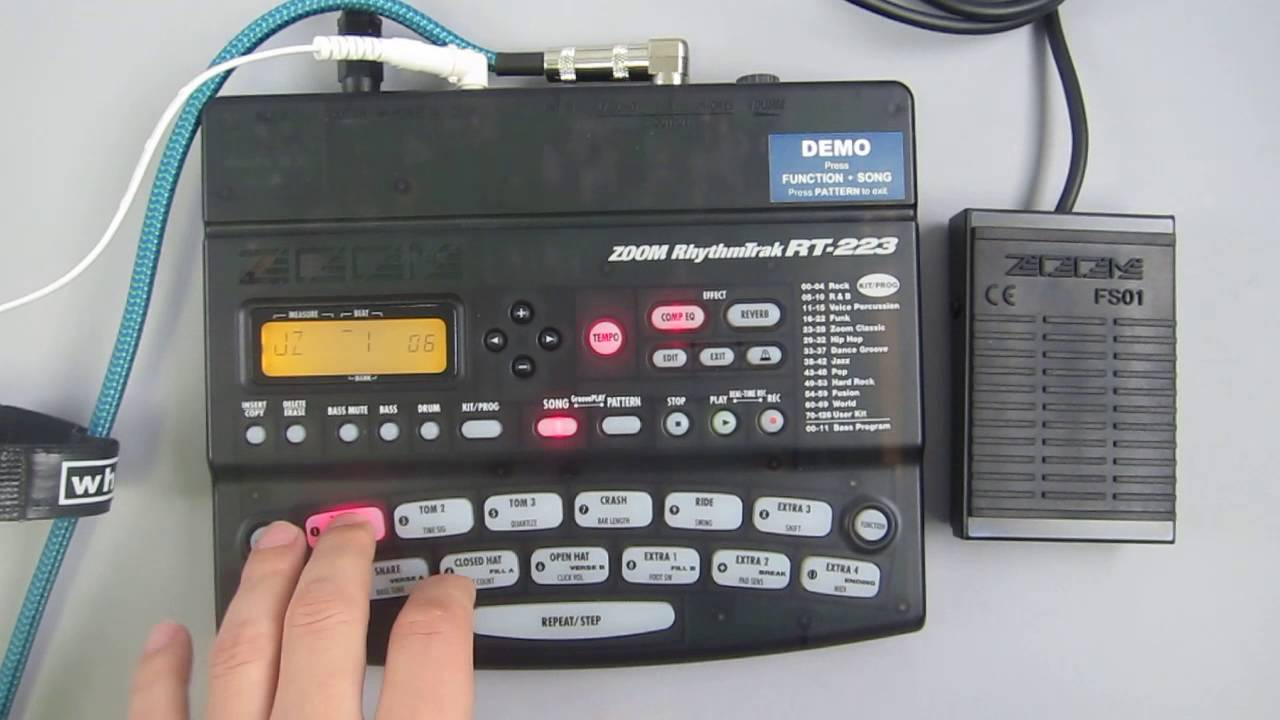 zoom drum machine rt 223 drum bass rhythms with fs01 foot switch youtube. Black Bedroom Furniture Sets. Home Design Ideas