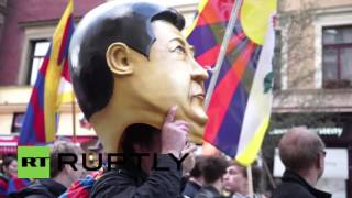 czech republic hundreds protest xi jinping s visit to prague