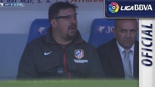 Mono Burgos watching the match with Google Glass