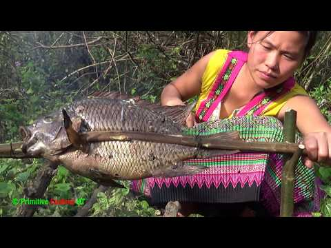 Primitive technology – Survival skills catch big fish and cooking fish – Eating delicious