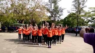 Dân vũ Té nước 11A1 THPT Quế Sơn