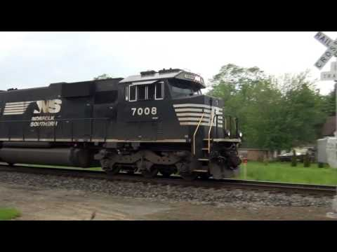 Thumbnail: 3 Engines on Norfolk Southern Freight Train