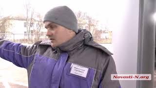 """Видео """"Новости-N"""":  В Николаеве на АЗС водитель  сорвал заправочный пистолет"""