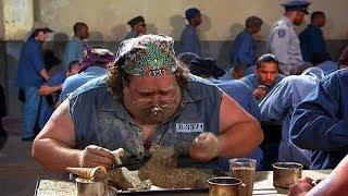 男子用汤勺挖地道越狱,还把挖出来的土给狱友吃!无厘头喜剧片