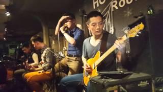 Rock Xuyên Màn Đêm (Live at Holyland)