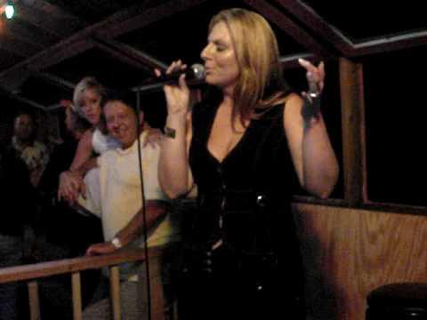 Paige karaoke