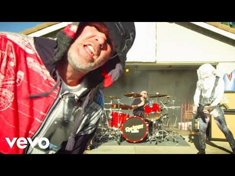 Смотреть клип Limp Bizkit - Ready To Go Ft. Lil Wayne