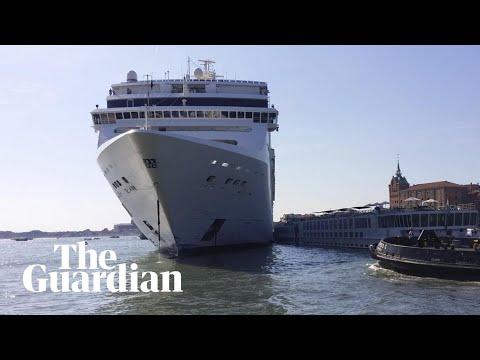 Cruise ship crashes into Venice dock