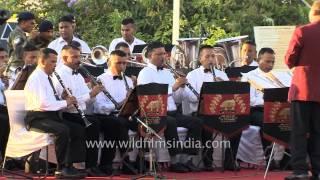 Kandhon Se Milte Hain Kandhe by Indian Army Band at Kargil Diwas