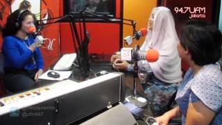 94.7 UFM Jakarta - Moza Pramita in PRO MOMS WIth Ocha (Mozza Wedding House)
