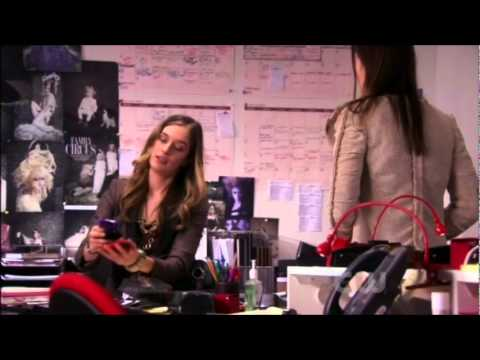 Gossip Girl soundtrack 4x14 Panic Roommate | Song: The Naked And Famous - Young Blood DOWNLOAD